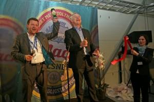 Petter Nome ved åpningen av Mack Bryggerier.