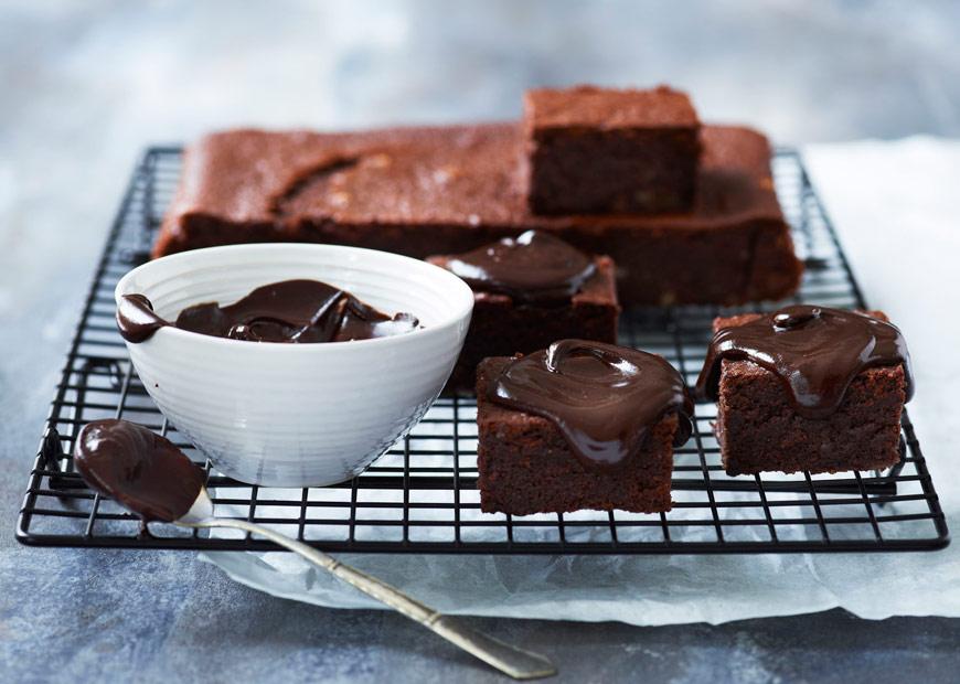 saftig-chokoladekage-med-oel-870x620