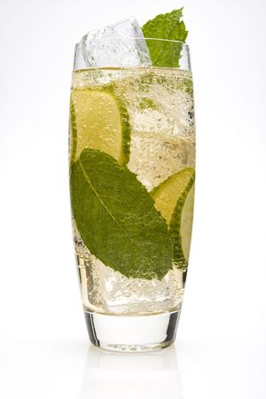 7822133 - lime spritzer cocktail with lime slices and a mint leaves.